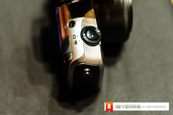 http://images.lowyat.net/EOS%20M/Image-1.jpg